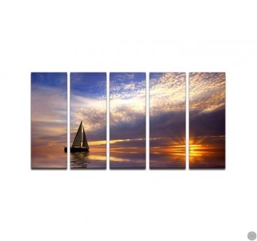 Tableau paysage de voilier sur l'eau avec une lumière moderne pour votre décoration intérieure