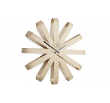 Horloge murale Ribbonwood en bois pour un style contemporain