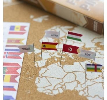 Installation de notre pack pins de drapeaux pour nos cartes en lièges