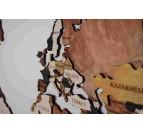 Carte du monde bois aux couleurs marrons et jaunes pour un intérieur design