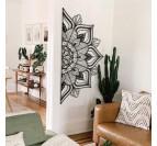 Décoration murale métal mandala dans une pièce contemporaine et design