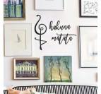 Galerie murale avec notre déco métallique hakuna matata pour votre intérieur