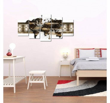 Wall art of the world map with metallic version in brown to create a modern wall decoration