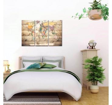 Tableau imprimé de la carte du monde en version boho dans une décoration murale de chambre