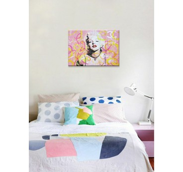 Tableau peinture pop art en rose de Marilyn Monroe avec des marques de luxes