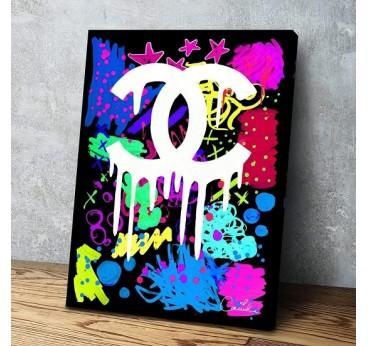 Tableau street art avec des tags et graffitis sur la marque Chanel pour une décoration murale contemporaine