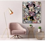 Tableau street art de Minnie dans une décoration murale de salon pour les filles