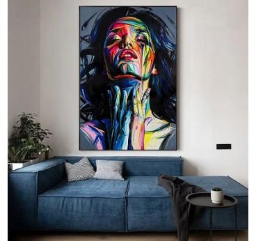 Tableau peinture à la main d'un portrait de femme en version pop art dans une déco murale de salon