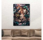 Tableau de tigre en mode portrait avec des fleurs pour une décoration murale contemporaine