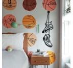Art mural métallique des chaussures Jordan pour une déco murale tendance