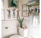Toilettes avec notre décoration murale métallique de vases avec leurs fleurs pour  une touche moderne