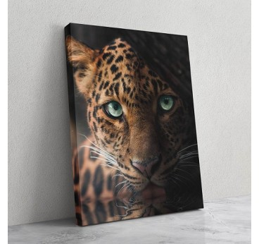 Animal wall art of a leopard with a unique look for a touch of nature in your wall decoration