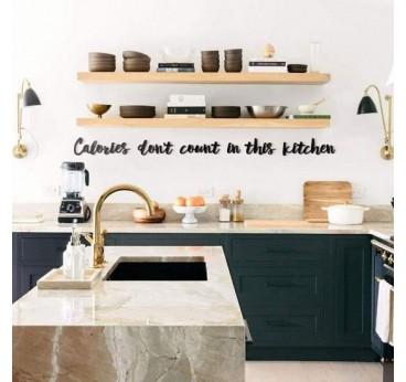 Décoration murale métallique pour votre cuisine avec une phrase sur les calories