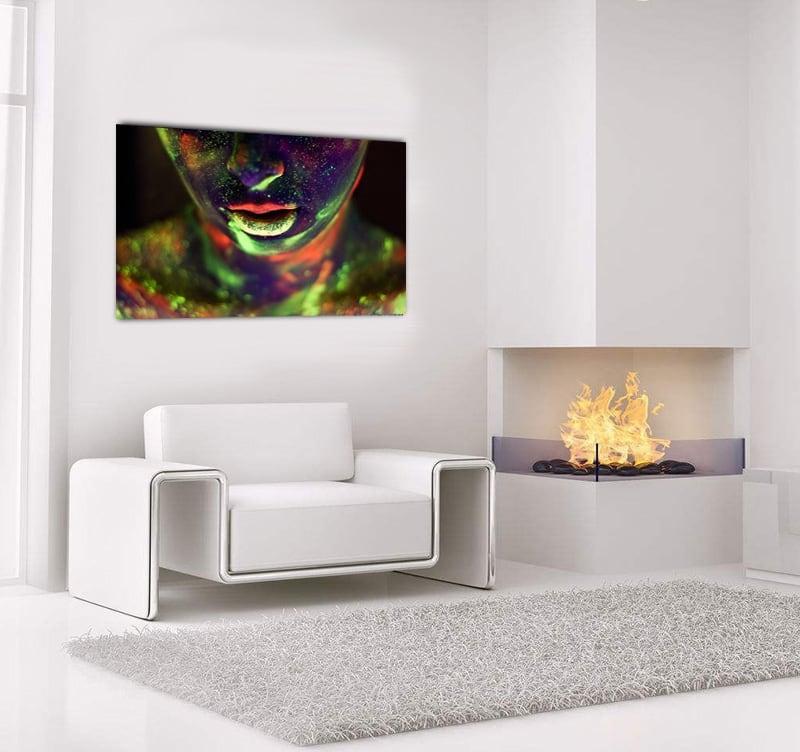 Tableau photo coloré design d'une bouche sensuelle et phosphorescente