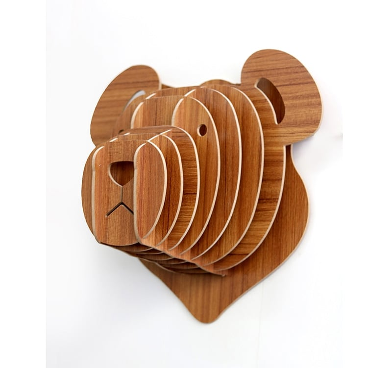 Design Wood wall decoration of a bear to decorate your home with trendy touch