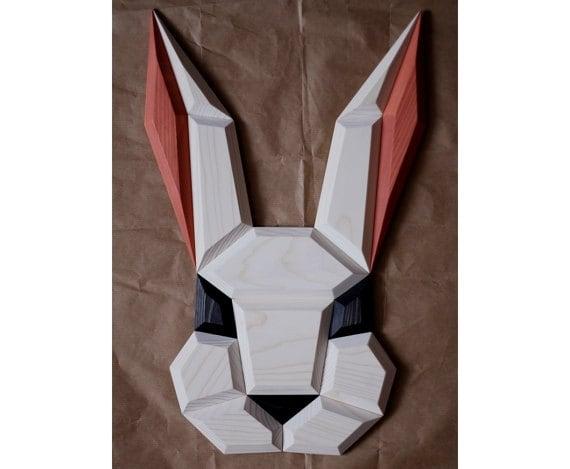 Décoration murale bois d'un lapin blanc et rose pour apporter une touche déco dans votre intérieur