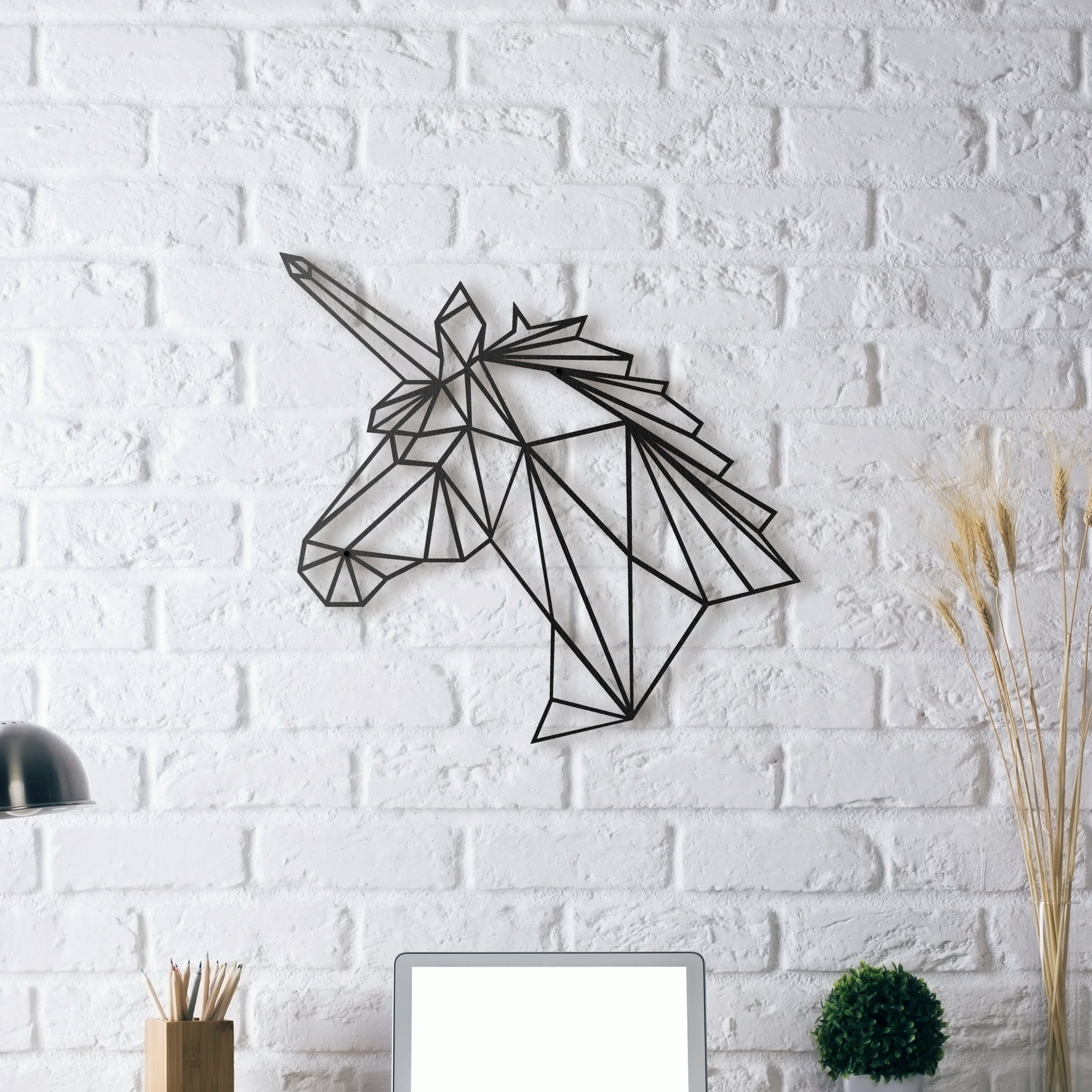 Deco mur métal design d'une tête de licorne contemporaine pour chambre d'enfant
