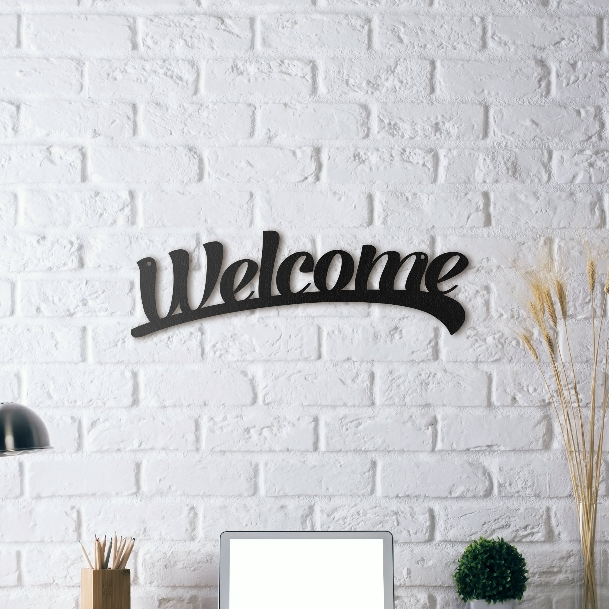 Metal design wall decoration to make a great welcome to your friend