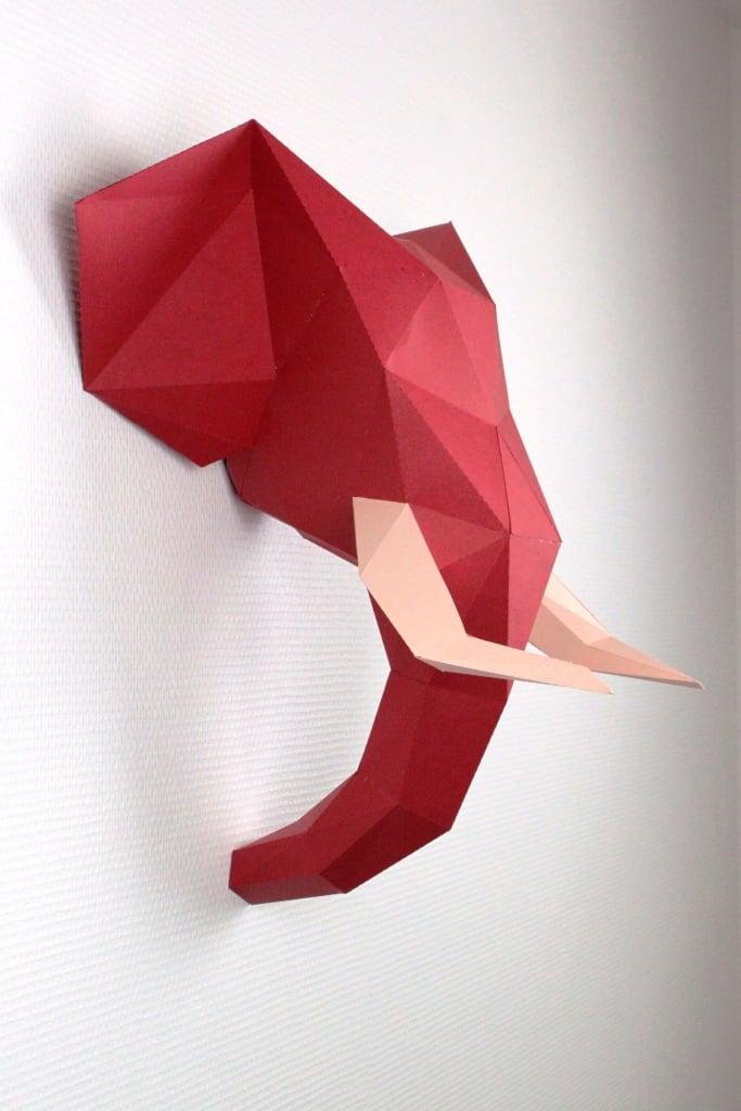 Trophée papier design d'un éléphant multicolore pour un intérieur tendance