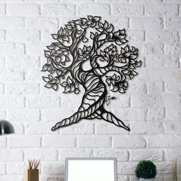 Decoration murale métal d'un arbre de vie dans un intérieur zen et nature