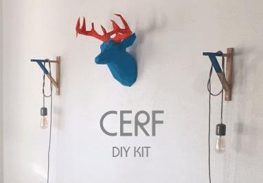 Trophée mural design tête de cerfs déco pour un intérieur moderne et colorée