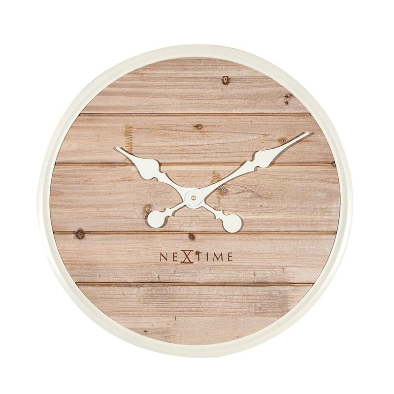 Horloge murale design en bois beige pour un intérieur cosy