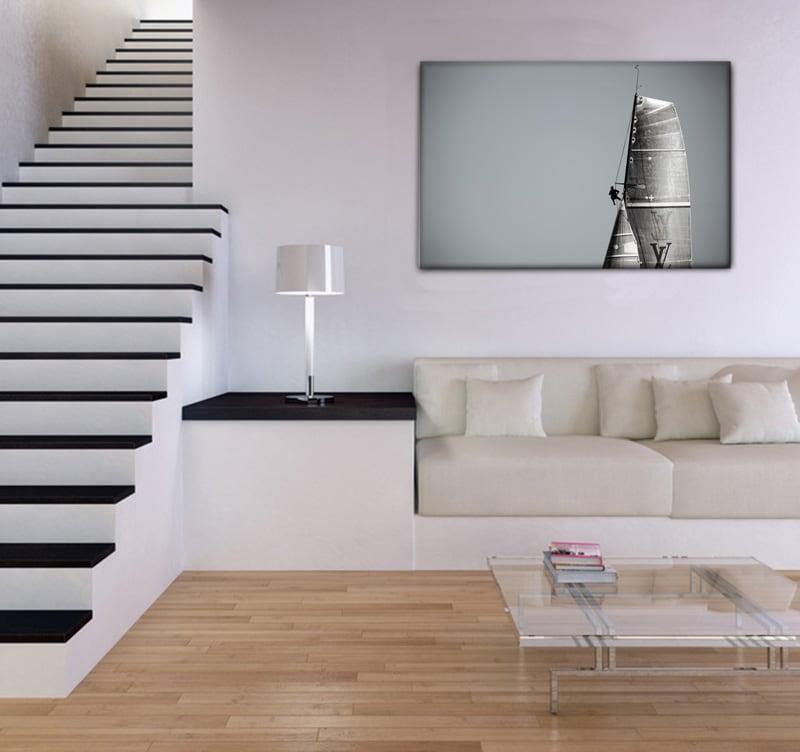 Maison moderne avec notre tableau mer d'un voilier en pleine action