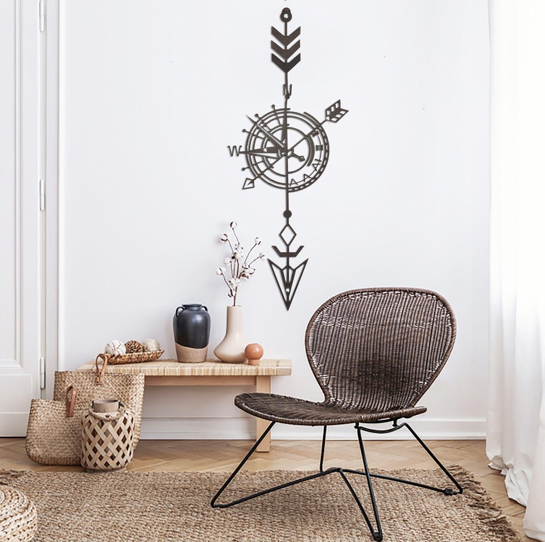 Compas decoration in metal for a unique interior