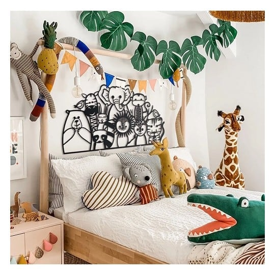 Metallic wall art decoration for a trendy children room