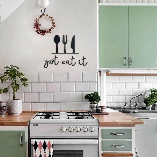 Décoration murale métallique just eat it pour votre cuisine ou table à manger