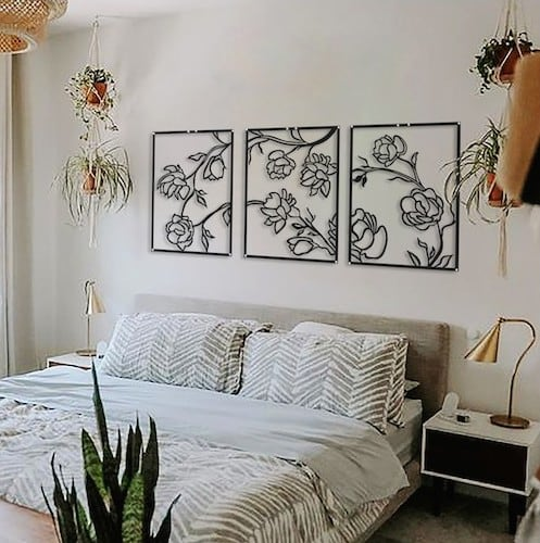 Floral wall decoration with 3 panels for a modern interior