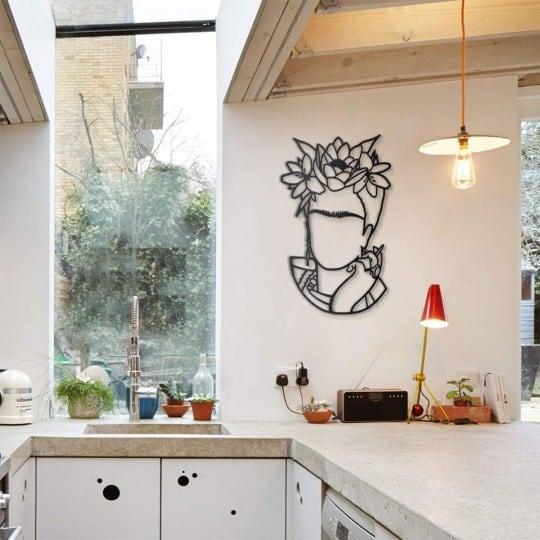 Décoration murale métallique de Frida Kahlo en version design pour votre intérieur