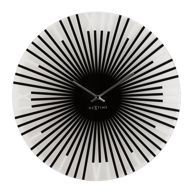 Horloge murale moderne en verre pour un effet hypnotisant