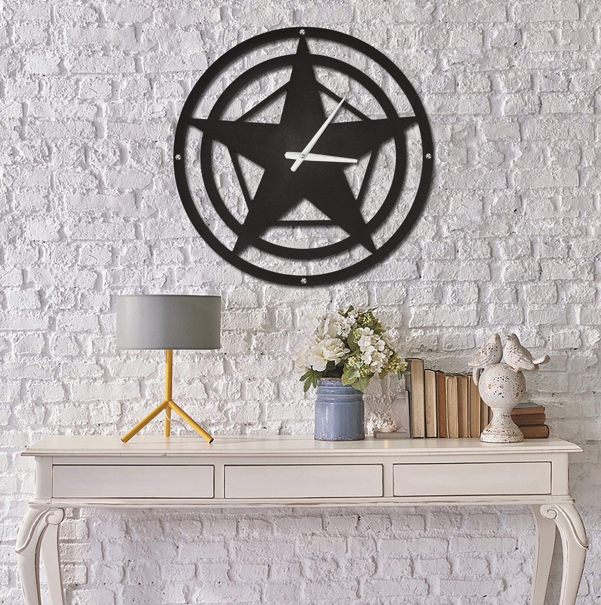 Star metal wall clock for a unique design in your interior