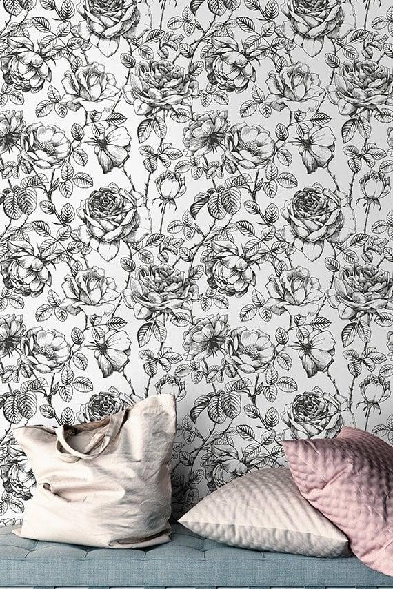 Papier peint floral noir et blanc pour une déco murale unique