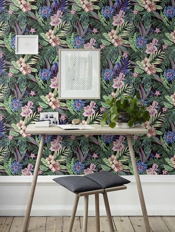 Papier peint design floral pour une déco murale moderne