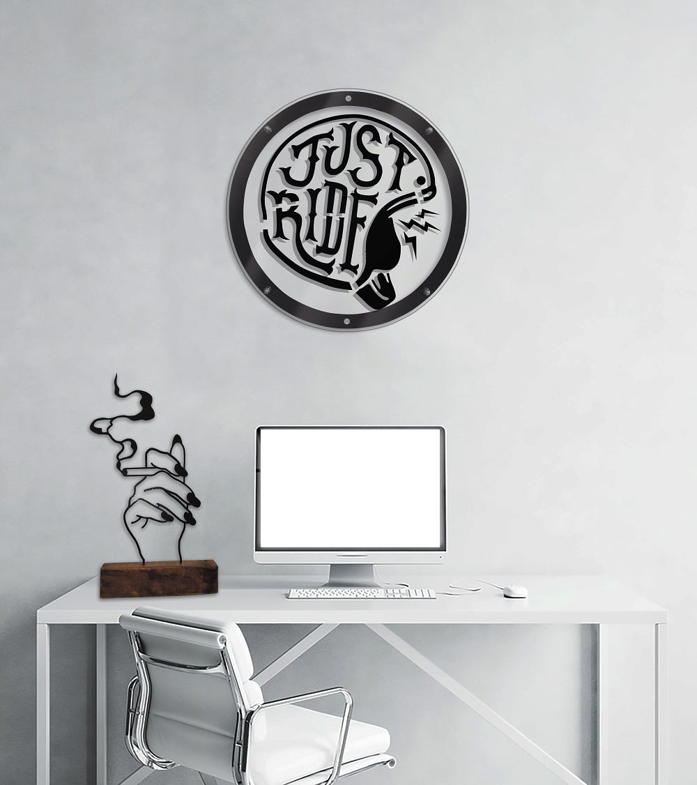 Metal wall decoration ride for a modern interior