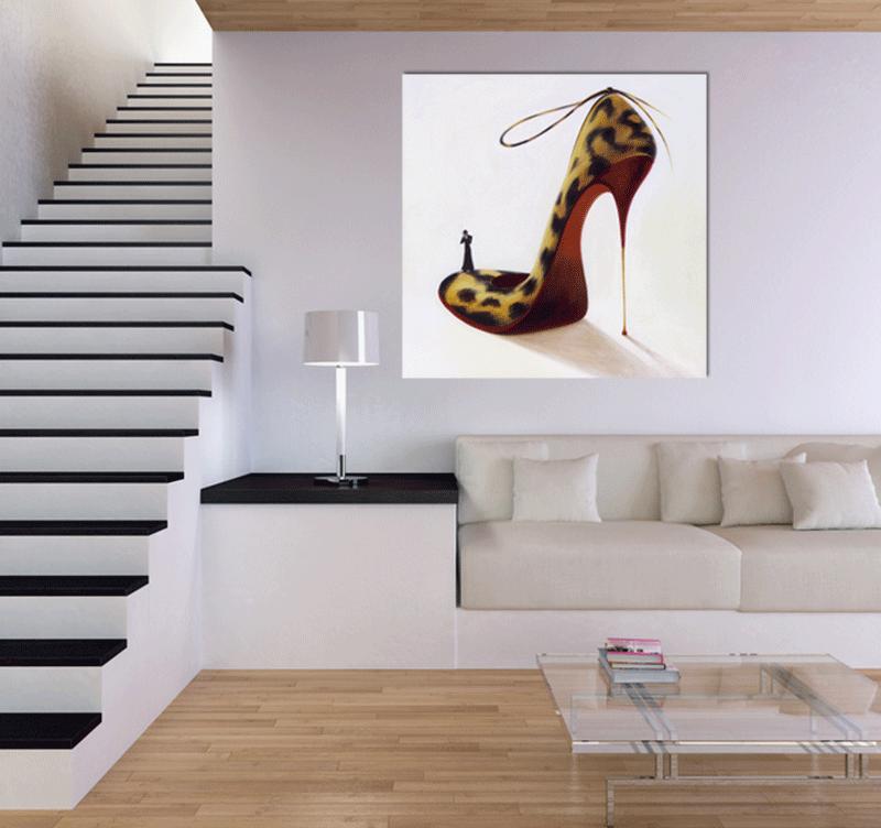 Mise en lumière du tableau Leopard Woman shoes dans un environnement déco
