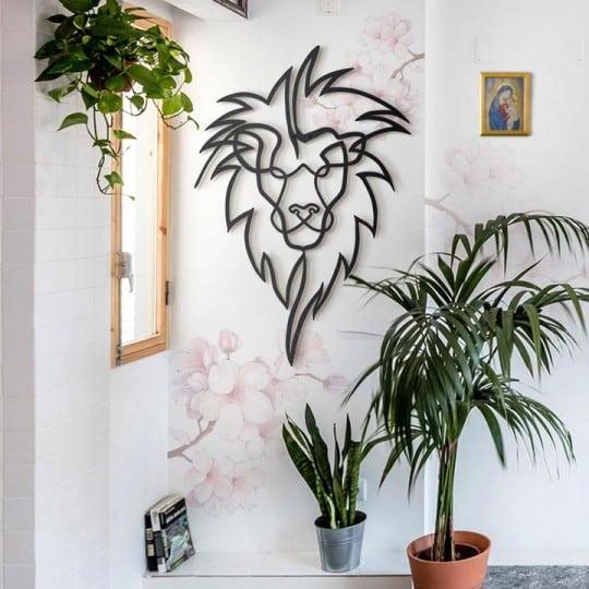 Décoration trophée métallique de lion design pour un salon tendance et moderne